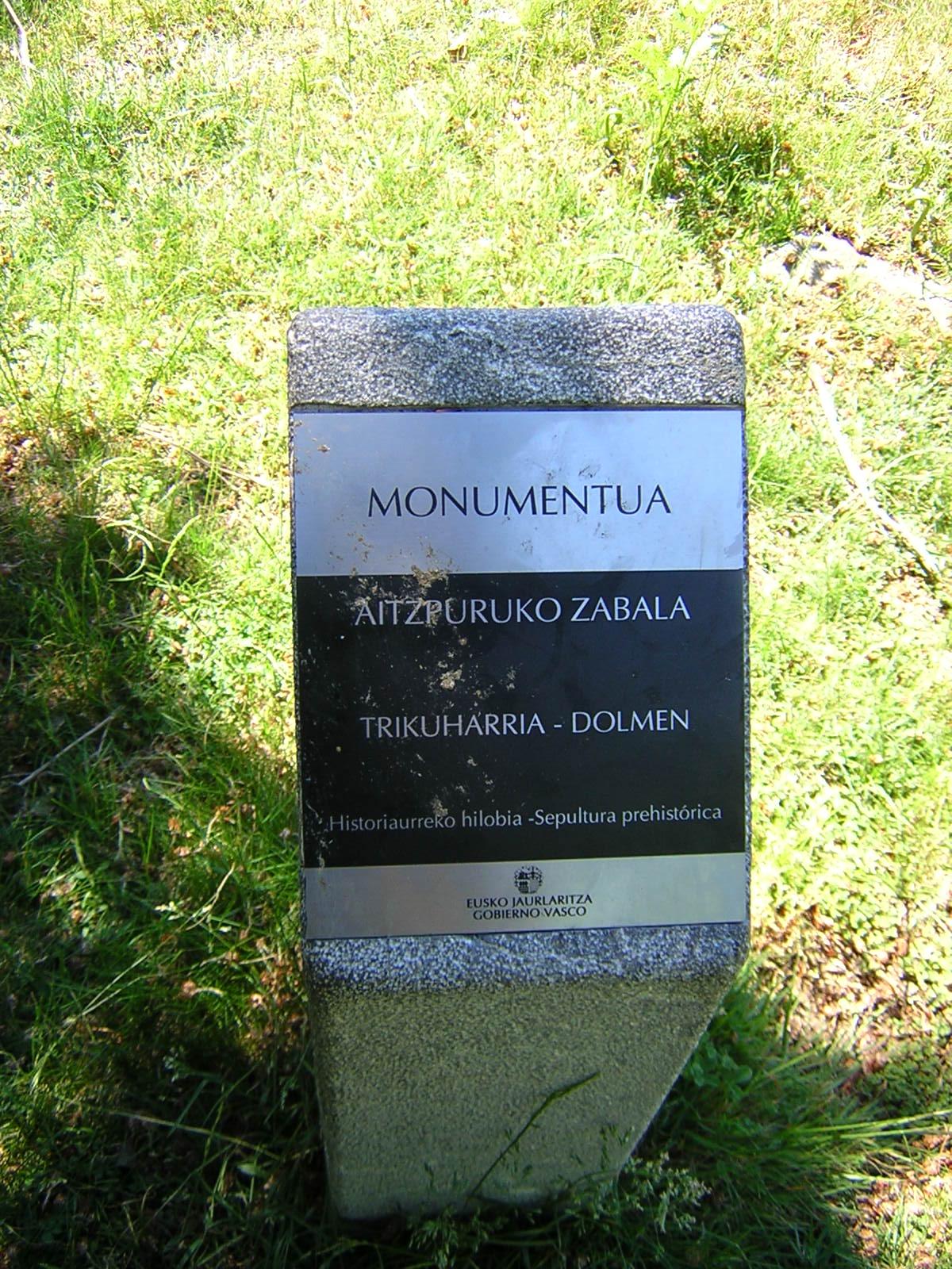 Dolmen Aitzpuruko zabala Trikuharria