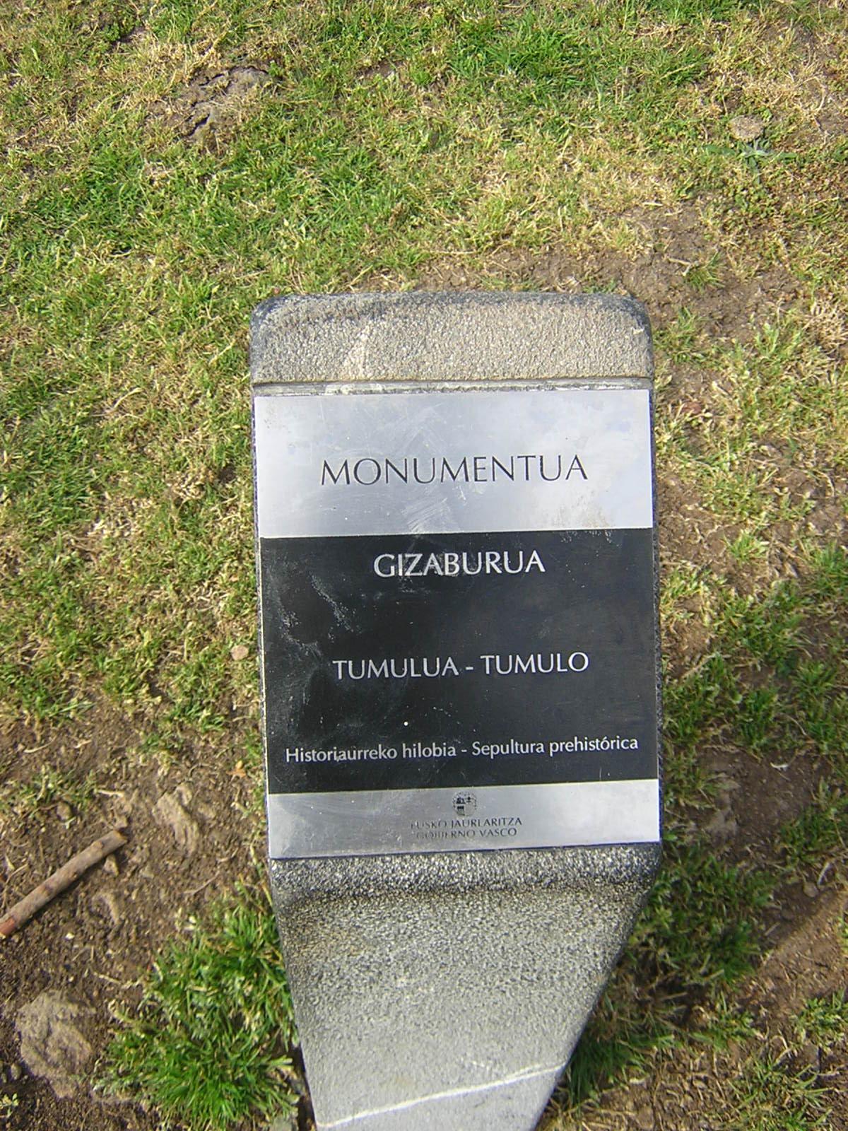 Túmulo Gizaburua Tumuloa